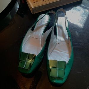 Emerald green flats for any occasion